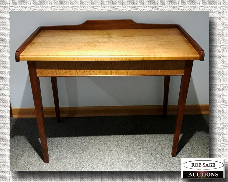 Gallery Top Table