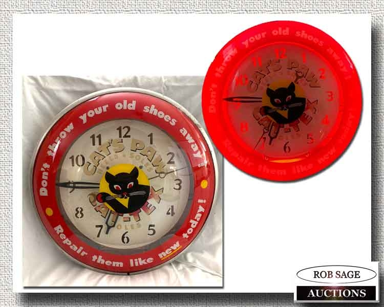 Cats Paw Clock