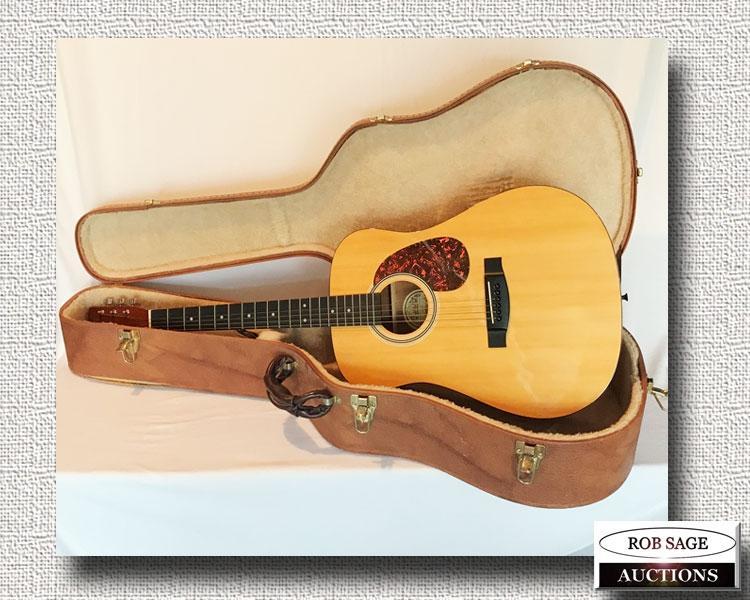 Hondo Guitar