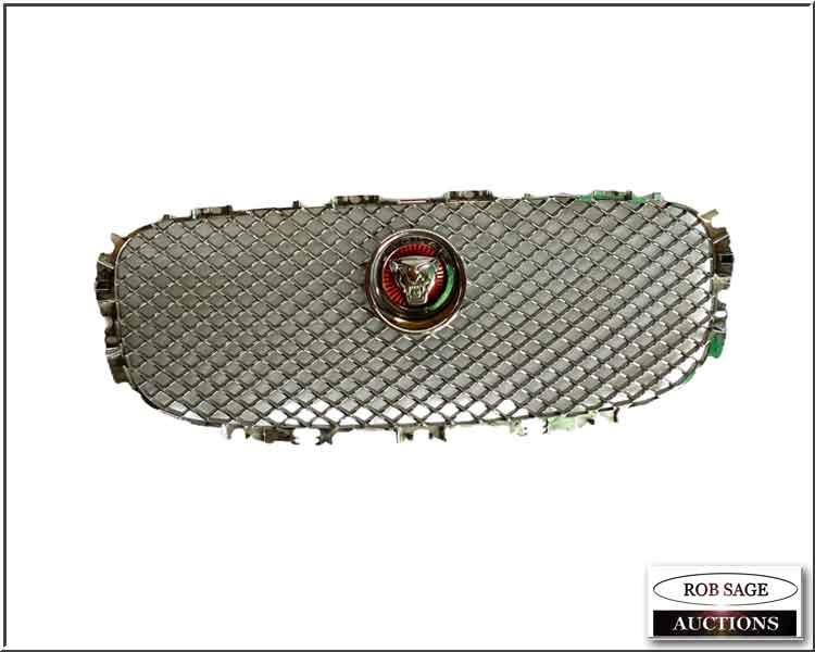 Jaguar Grill (plastic)