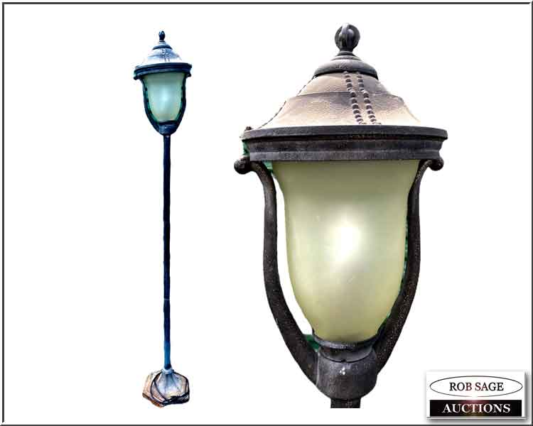 Aluminum Yard Light