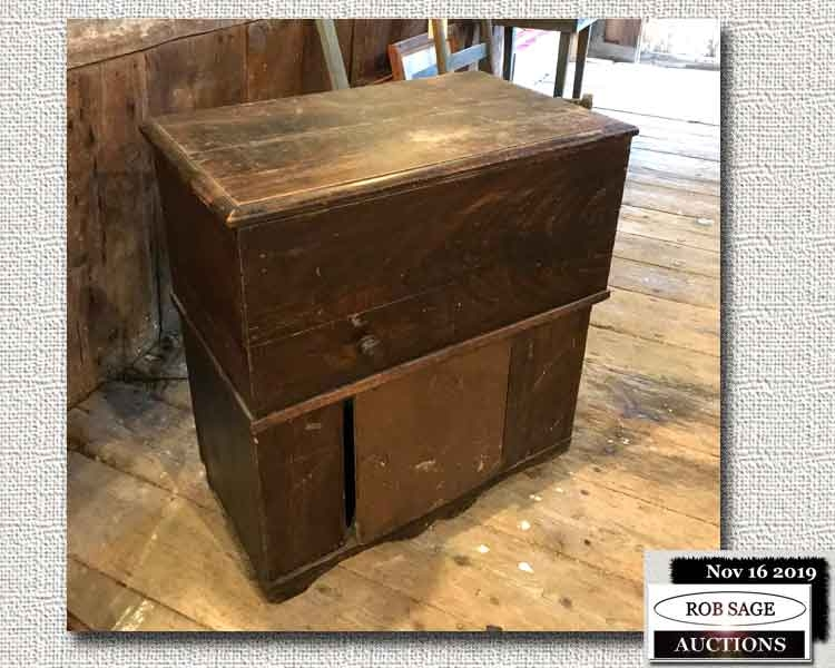 Lift Top Commode