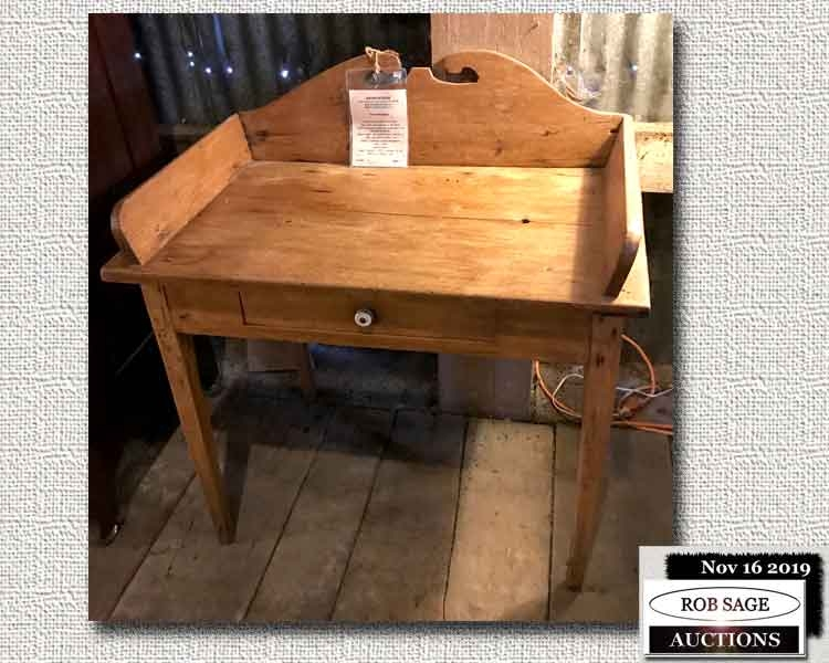 Pine Gallery Back Washstand