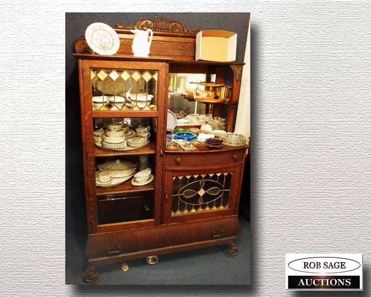 Bookcase/China cabinet