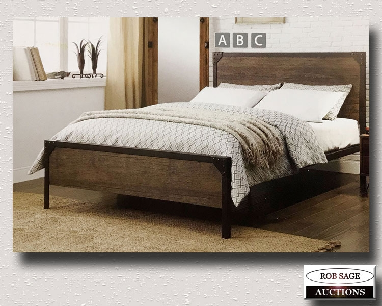 Metal & Wood Bed