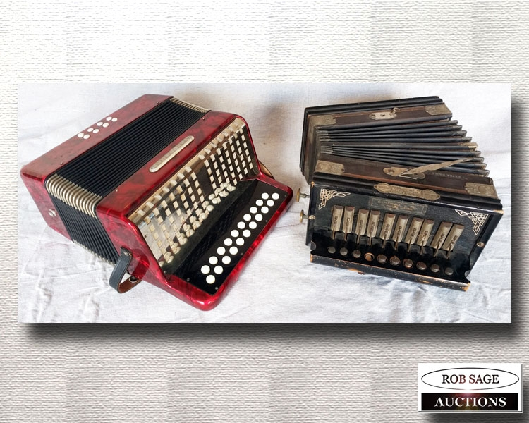 Accordian/Squeeze Box