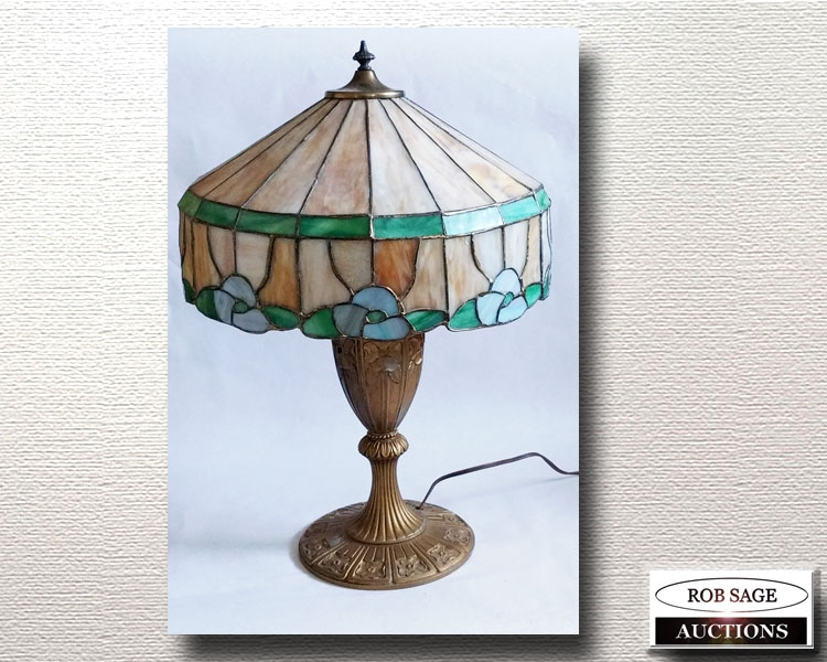 Stained Shade Lamp