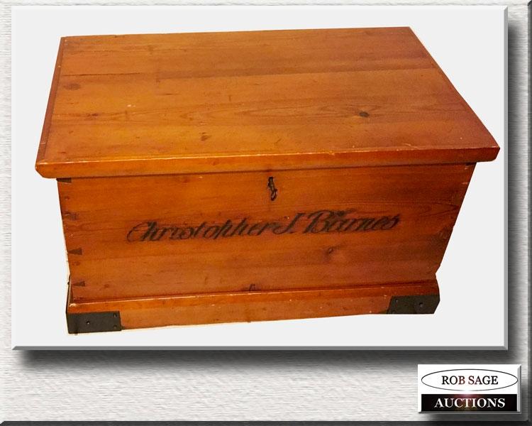 Signed Box
