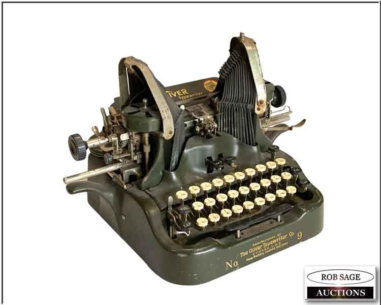 """""""Batwing"""" Typewriter"""